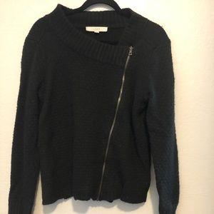 Fashionable, unique sweater